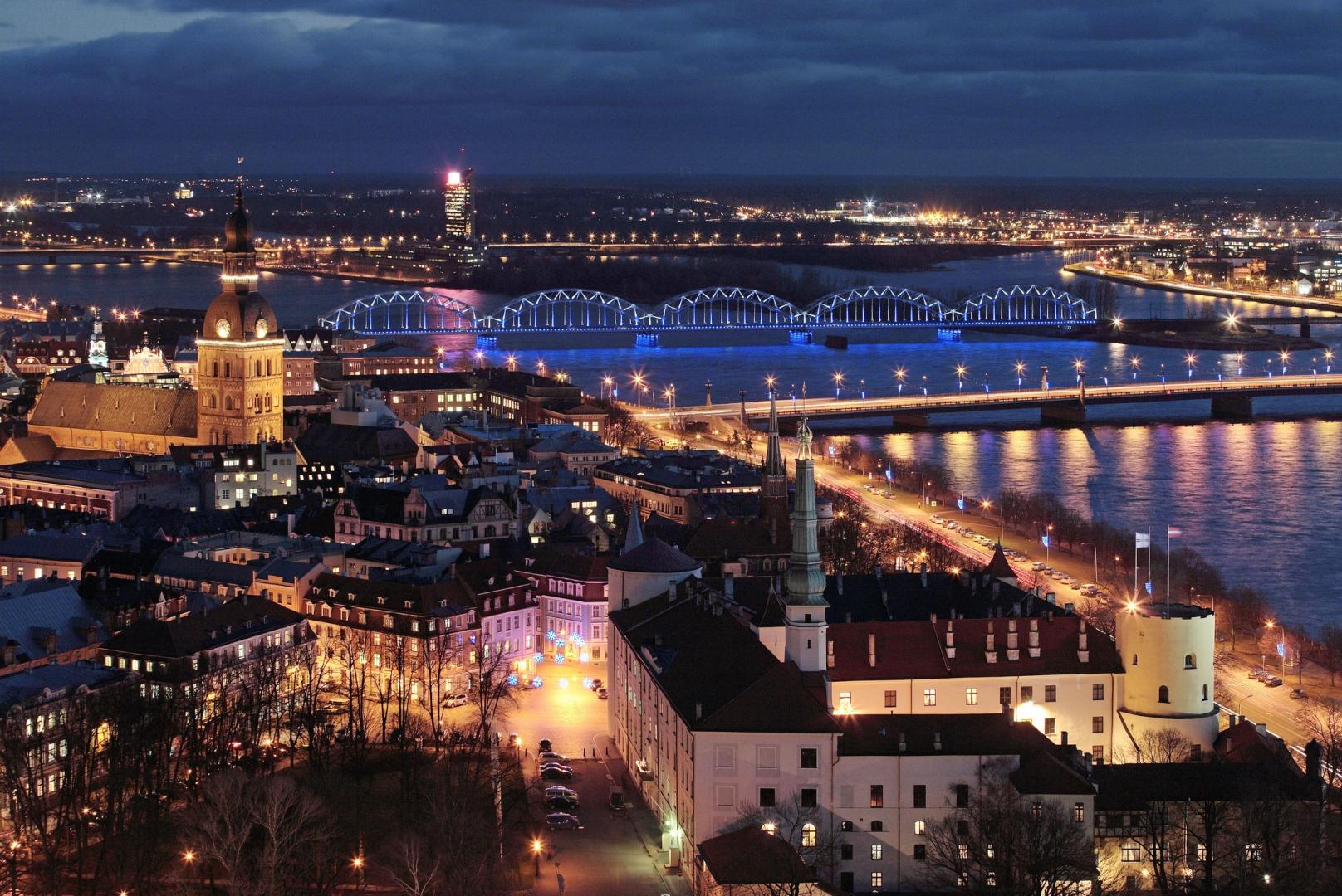 Lėktuvų bilietai į Latviją